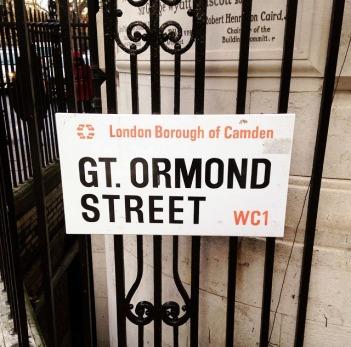 gt-ormond-street-signpost